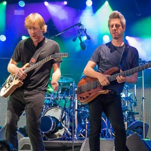 Phish playing guitars